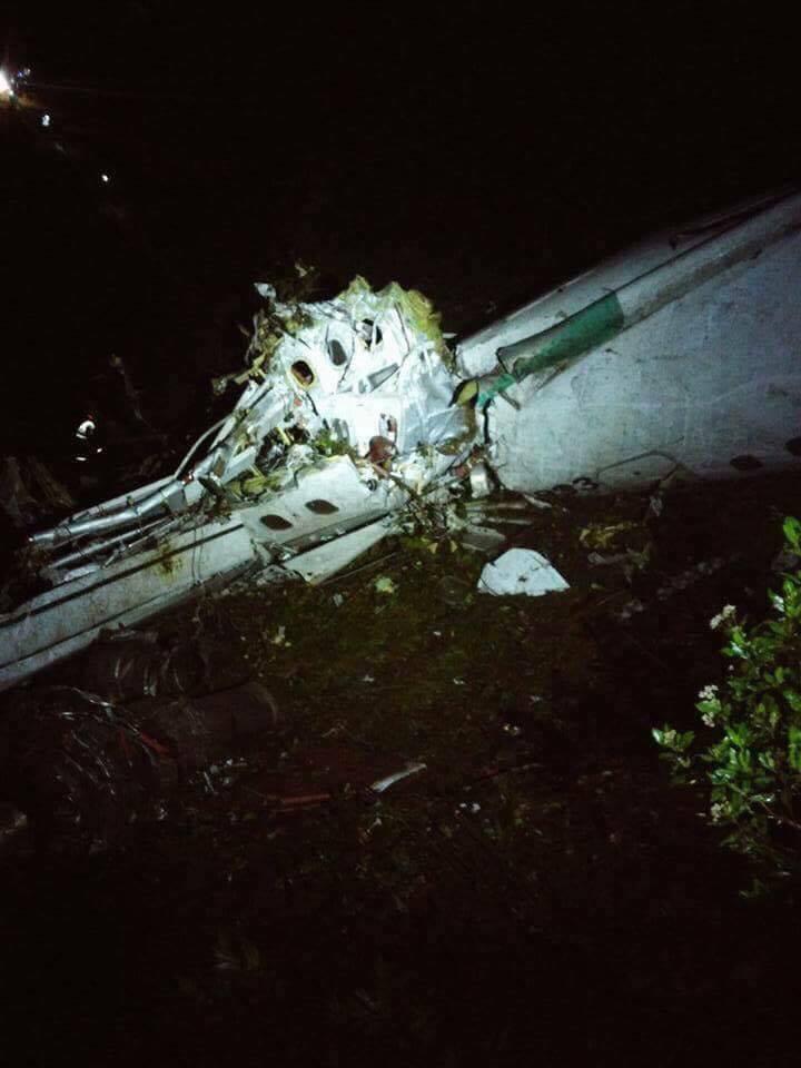 Máy bay chở CLB bóng đá Brazil rơi: 71 người thiệt mạng - 6