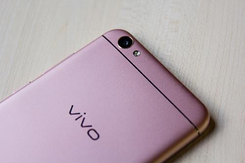 Vivo V5: Smartphone đầu tiên trên thế giới có camera trước 20MP - 6