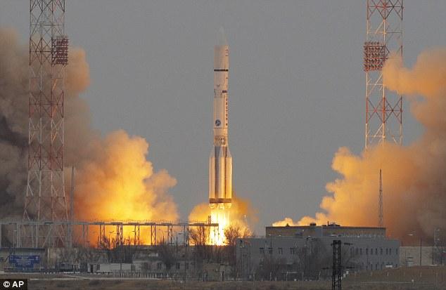 Nga chế tạo siêu tên lửa chở đồ lên mặt trăng xây căn cứ - 1