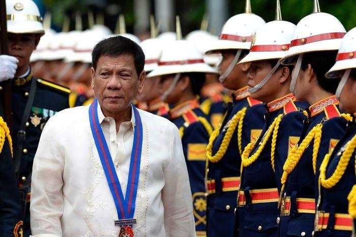 Đoàn xe hộ tống Tổng thống Philippines bị đánh bom - 1