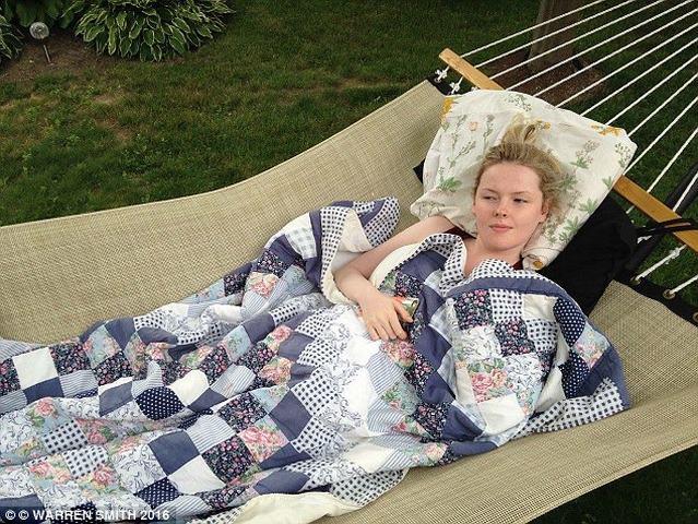 """""""Công chúa ngủ trong rừng"""" liền tù tì 5 năm không tỉnh - 5"""