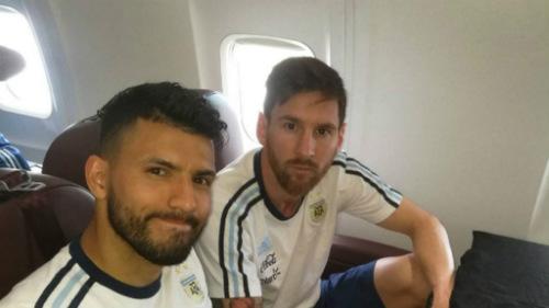 Máy bay chở đội bóng Brazil rơi: Cựu sao Atletico qua đời - 2