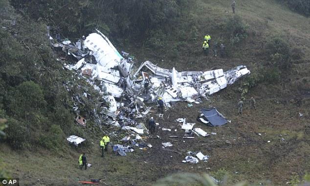 Máy bay chở đội bóng Brazil rơi: Sự trùng hợp kỳ lạ - 3