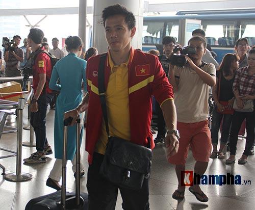AFF Cup: ĐT Việt Nam đi Indonesia với niềm tin quyết thắng - 13