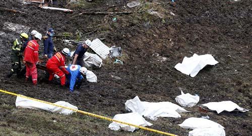 Máy bay chở đội bóng Brazil rơi vì vượt giới hạn? - 2