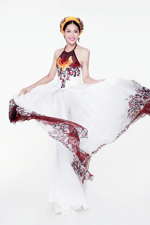 Diệu Ngọc diện áo yếm gợi cảm, bay bổng thi Miss World - 4