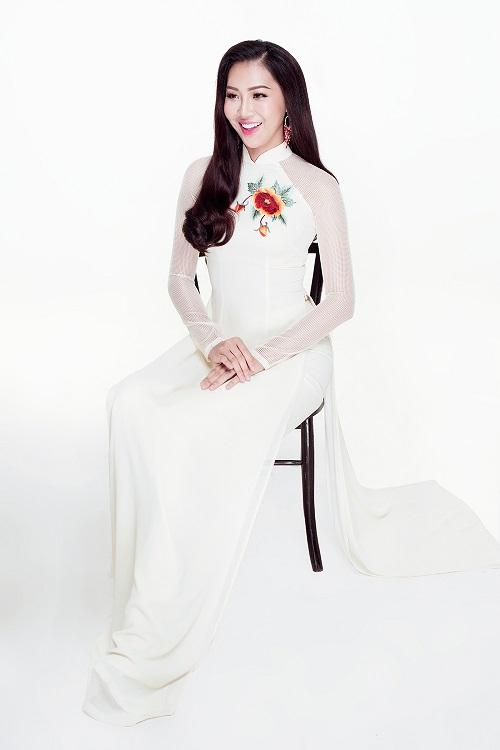 Diệu Ngọc diện áo yếm gợi cảm, bay bổng thi Miss World - 5