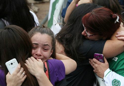"""Máy bay chở đội bóng Brazil rơi: """"Bi kịch MU"""" thời hiện đại - 9"""