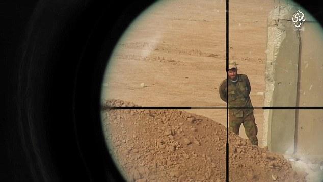 IS tung video bắn tỉa diệt mục tiêu cách 1.000 m ở Iraq - 2