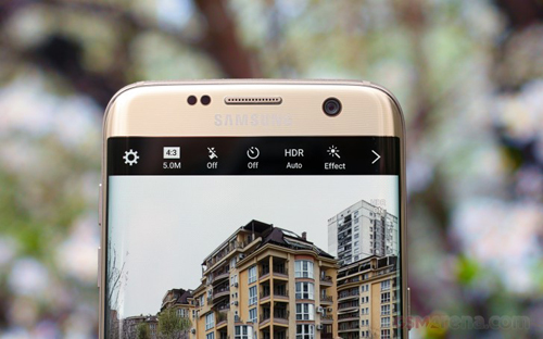 Samsung Galaxy S8 có camera trước tự động lấy nét - 1