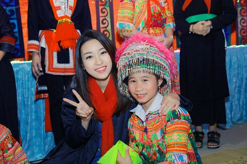 """Dù mặc giản dị, hoa hậu Mỹ Linh vẫn đẹp """"đốn tim"""" - 1"""