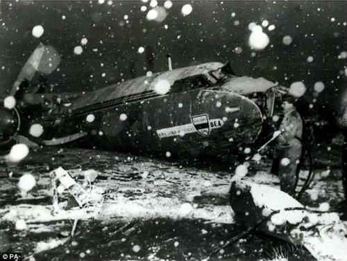 Đội bóng gặp tai nạn máy bay rơi: Hồi ức MU, Torino - 1