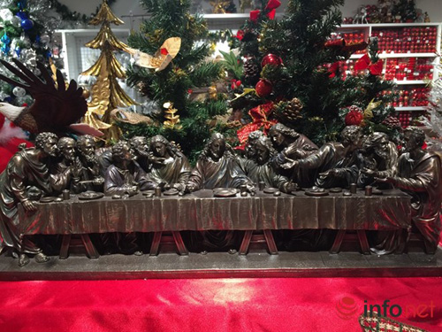 Chục triệu mỗi món đồ trang trí Giáng sinh đẹp hút mắt - 1