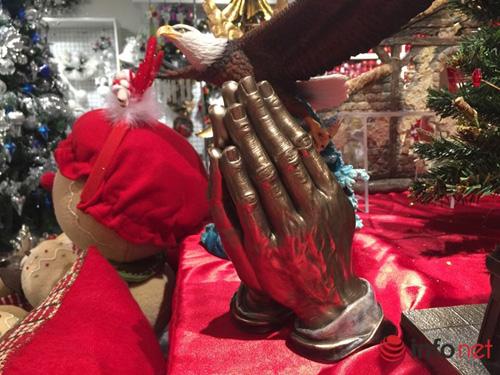 Chục triệu mỗi món đồ trang trí Giáng sinh đẹp hút mắt - 2