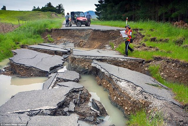 """""""Vạn lý trường thành"""" trồi lên sau động đất New Zealand - 3"""