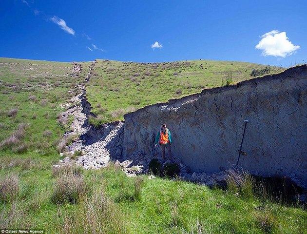 """""""Vạn lý trường thành"""" trồi lên sau động đất New Zealand - 2"""