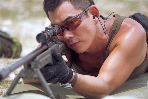 Những màn đấu súng, bắn tỉa siêu đỉnh trên màn ảnh - 4