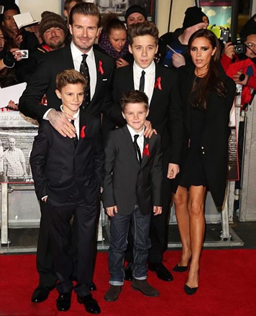 """Cuộc sống """"khác người"""" của cậu cả nhà Beckham - 1"""
