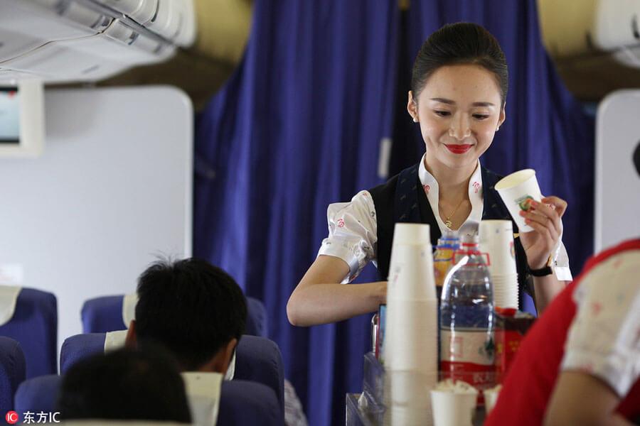 """Ngắm nữ tiếp viên hàng không TQ """"xinh đẹp nhất thế giới"""" - 5"""