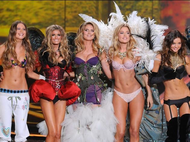 """Khoảnh khắc đẹp """"đứng hình"""" của Victoria's Secret Show - 10"""