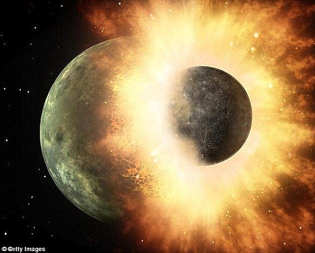 Mặt trăng từng chứa nhiều nước hơn Trái đất - 1