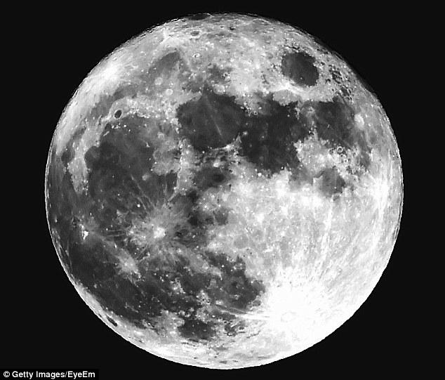 Mặt trăng từng chứa nhiều nước hơn Trái đất - 2