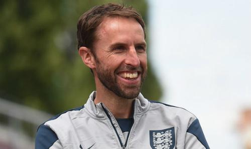 Tin HOT bóng đá tối 30/11: Southgate chính thức là HLV ĐT Anh - 1