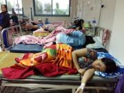 Gần 100 người nhập viện sau khi ăn bánh mì