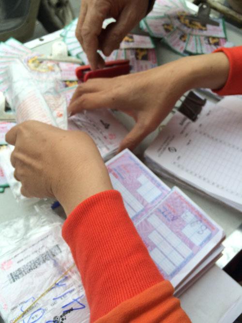 """Xổ số điện toán bán """"chui"""" ở Hà Nội: Mua 10 vé mới bán - 3"""