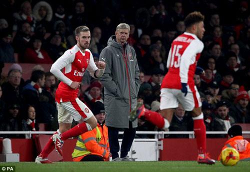 Đứt mạch 19 trận bất bại, Arsenal xứng đáng bị chỉ trích - 1
