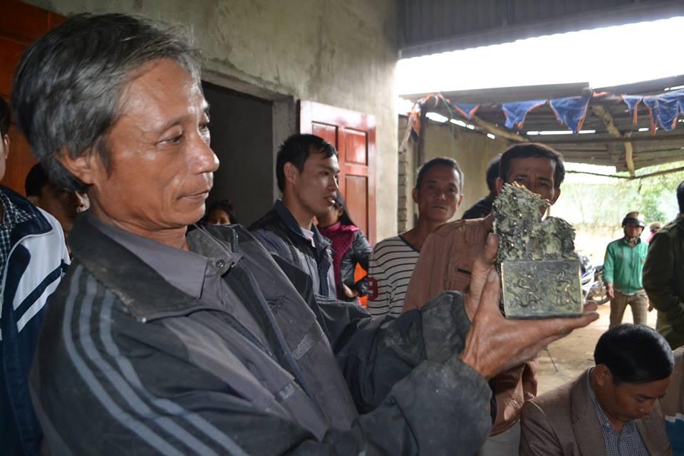 Vật thể lạ ở Nghệ An được bàn giao cho bảo tàng tỉnh - 3