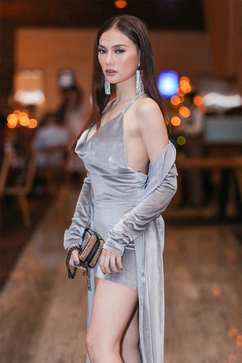 Hương Giang Idol hở quá táo bạo hút mọi ánh mắt - 4