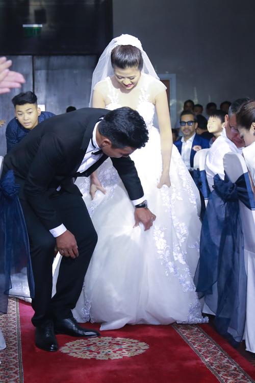"""Tan chảy với 15 khoảnh khắc trong lễ cưới cựu tiền đạo Thắng """"Bế"""" - 3"""