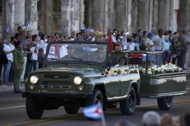"""Rước tro cốt lãnh tụ Fidel Castro về """"nôi"""" cách mạng Cuba - 2"""