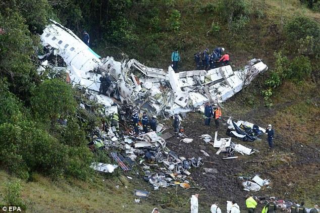 Máy bay chở đội bóng rơi: Sống sót nhờ tư thế đặc biệt - 4