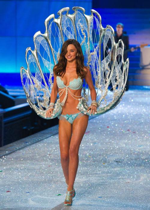 Cận cảnh loạt nội y cực xa xỉ trong lịch sử Victoria's Secret - 6