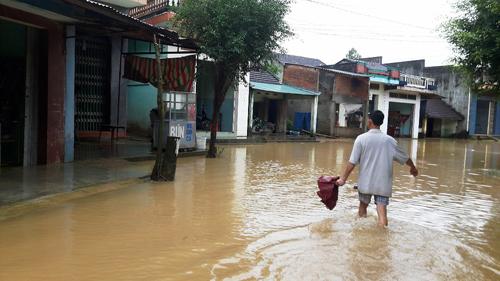 Bình Định: Đã có người chết và mất tích do mưa lũ - 4