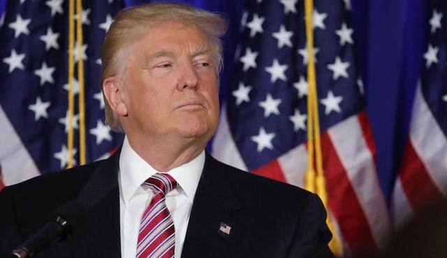 Ông Trump được quyền nhắn tin cho mọi công dân Mỹ - 1