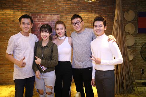 """Dàn hot girl Ghiền Mì Gõ, FAP TV ra sao khi gia nhập """"gia đình mới - 3"""