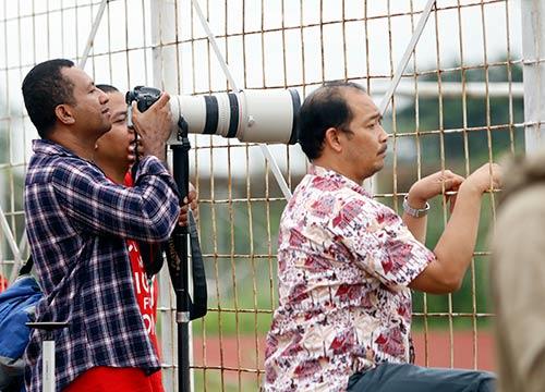 ĐTVN: Hữu Thắng làm 100 phóng viên ở Indonesia bất ngờ - 4