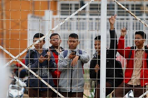 ĐTVN: Hữu Thắng làm 100 phóng viên ở Indonesia bất ngờ - 5
