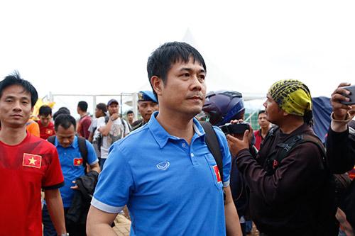ĐTVN: Hữu Thắng làm 100 phóng viên ở Indonesia bất ngờ - 11