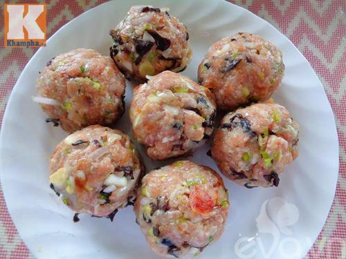 Bánh bao nhân thịt thơm ngon cho bữa sáng - 3