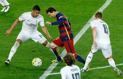 """Siêu kinh điển Barca – Real: Casemiro là """"ác mộng"""" của Messi - 2"""