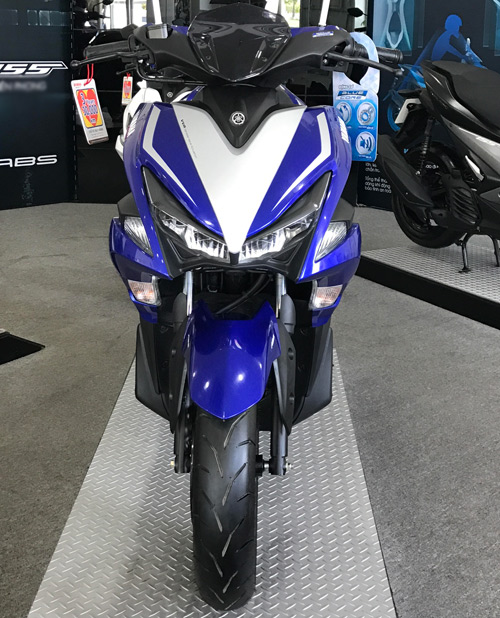 Chính thức công bố giá Yamaha NVX 2017 - 2