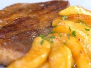Thịt lợn nướng táo thơm phức, lạ miệng