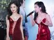 Bối rối ngắm Hương Tràm diện váy xẻ sâu hun hút trên sân khấu