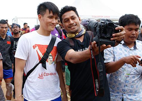 Fan Indonesia dự đoán Công Vinh sút tung lưới đội nhà - 1