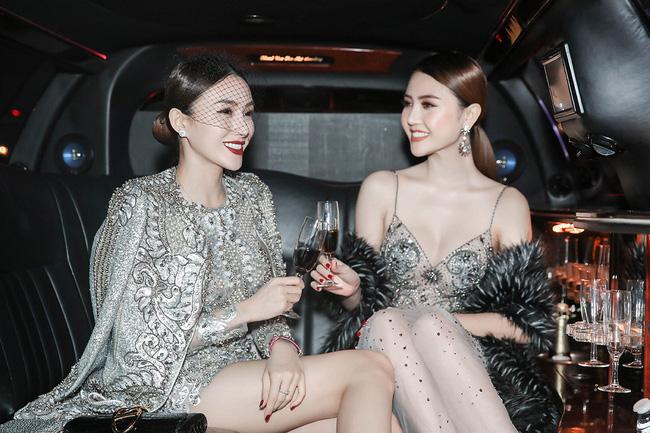 """Ngọc Duyên, Lê Hà """"cưỡi"""" limousine dự show Victoria's Secret - 1"""