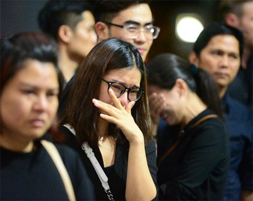 Sao Việt oà khóc nức nở tại lễ viếng NSƯT Quang Lý - 2